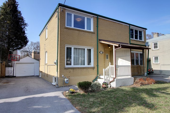 Bright and Open 3 Bdrm 2 Bath Semi 28 Magwood Court, Toronto