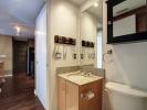 281 Mutual St Bathroom