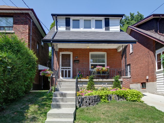 Modern and Elegant 3 Bdrm in Mimico