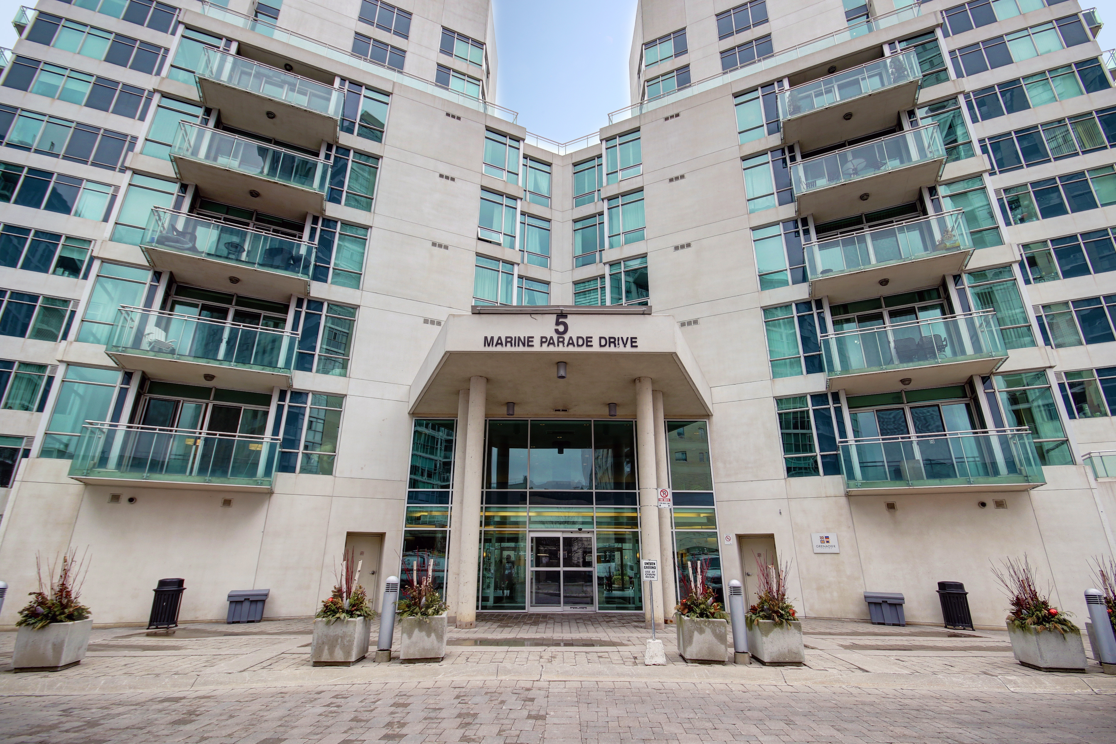 Waterfront Condo For Sale in Mimico 5 Marine Parade Drive #321